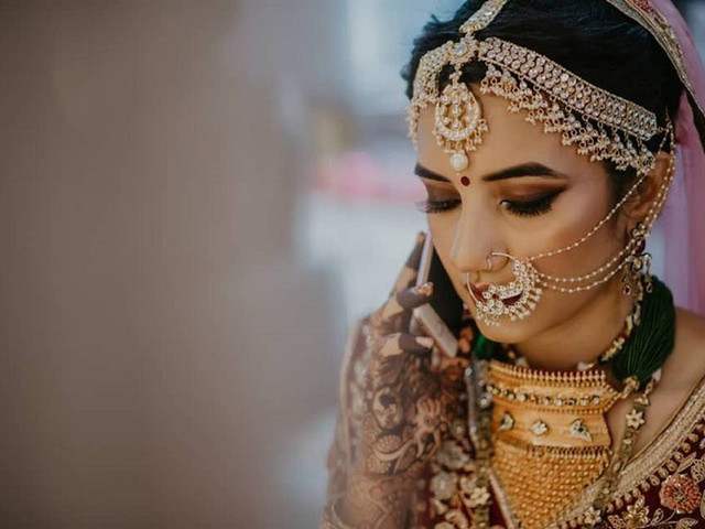 Bridal Necklace with Earrings That Are a Total Stunner for Your D-day