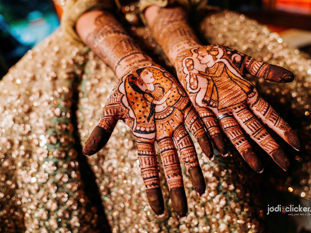 60+ Mehndi Designs for Hands That Will Leave You Spellbound And Wanting For More