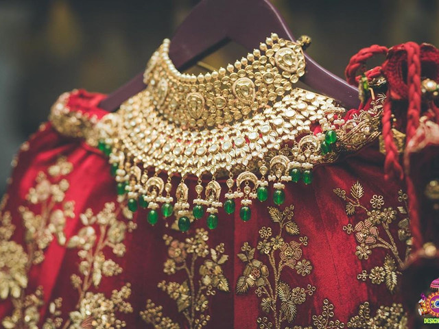 Find the Right Artificial Jewellery Online in India for Your Big Day