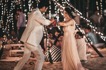 15 Latest Romantic Bollywood Songs for a Happening Couple Performance