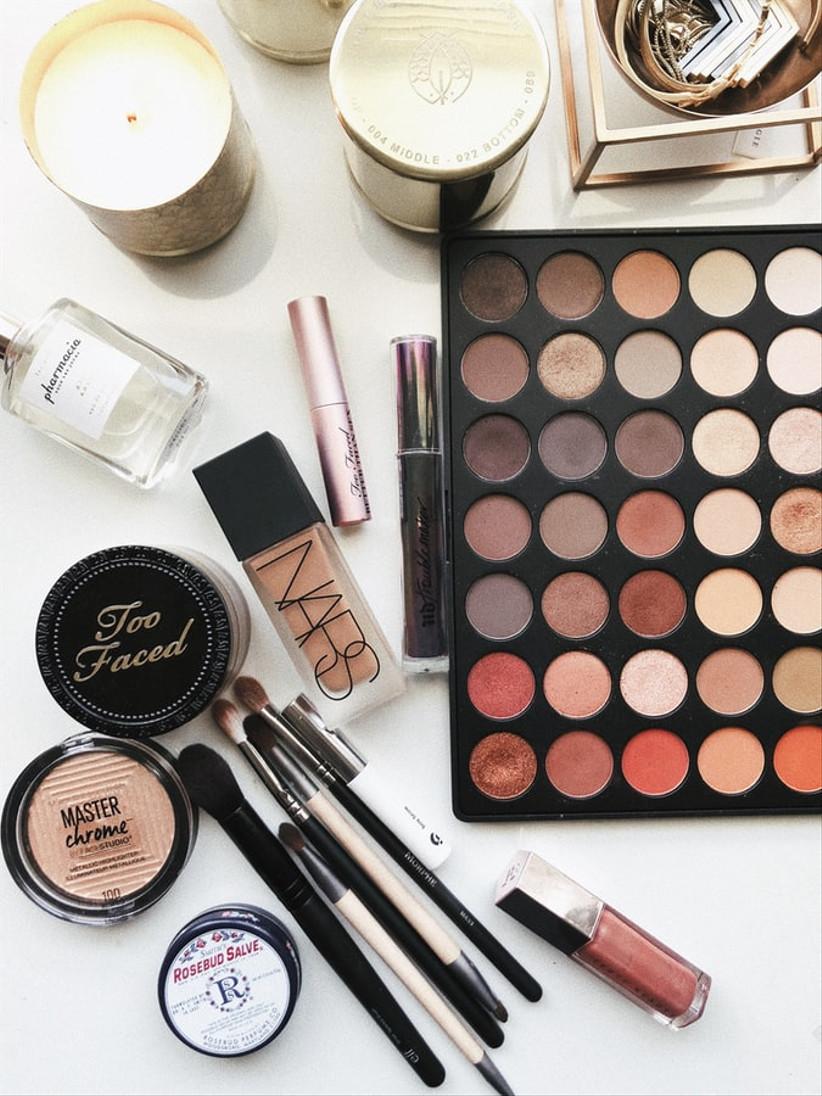 28 Must-Have Bridal Make-up Kit Essentials