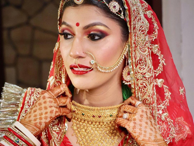 10 Rajasthani Tikka Designs To Amp Up Your Bridal Look