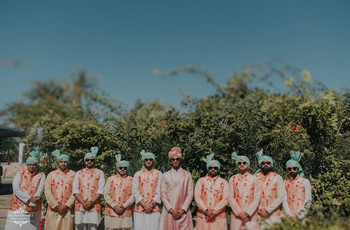 Dial-up the Classy & Sassy With These Groomsmen Photos