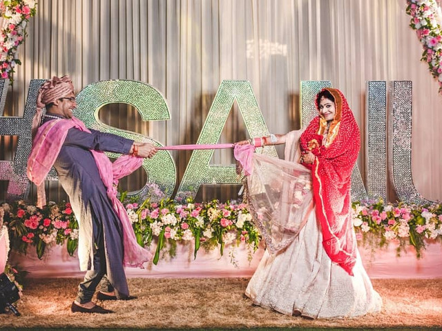 8 Entrance Songs for Bride & Groom That Are Absolutely Rocking!