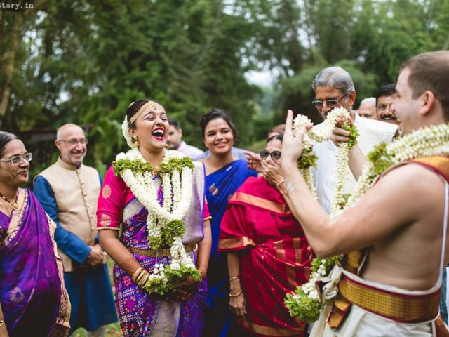 What Is Candid Photography: A Creative Photographer's Guide to Answer All Your Questions