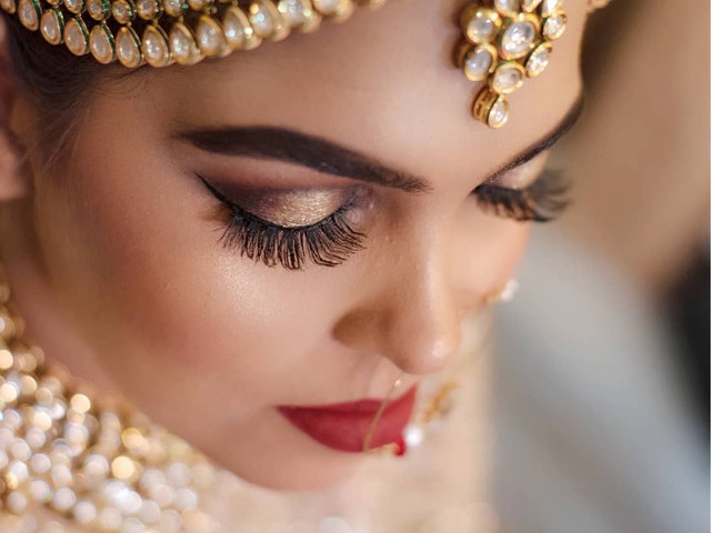 Look out for These Professional Makeup Kits for an Effortless, Beautiful and Long Staying Bridal Look