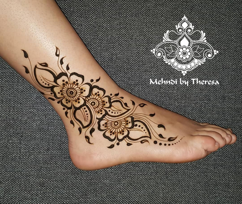 24 Simple Mehndi Designs for Feet That Will Mesmerise All