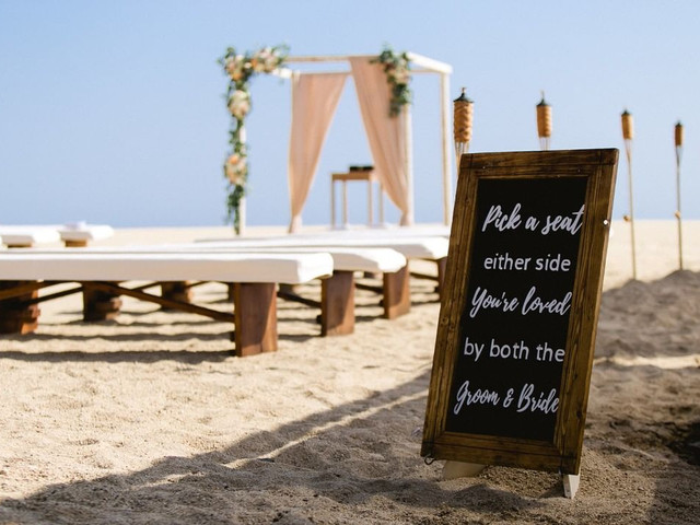 Wedding Name Board Designs That Will Add 5-stars to Your D-day Decor