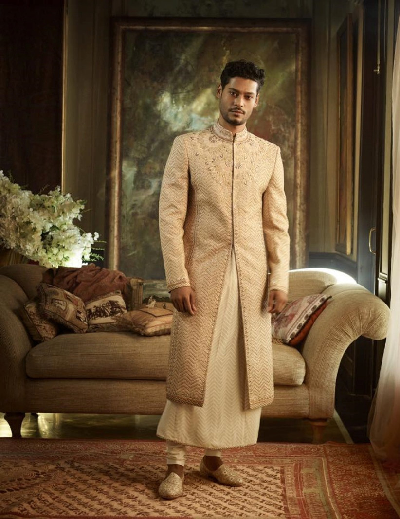 8 Regal Styles Of Indian Wedding Dresses For Groom You Need To Check Out For That Dapper Look