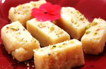 Mishti Time! Mandatory Items You Must on Your Bengali Sweets Menu for Some Sweet Memories!