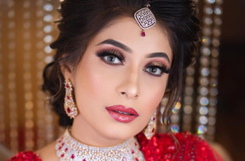 All the Reasons Why You Should Avail Makeup at Home Service!