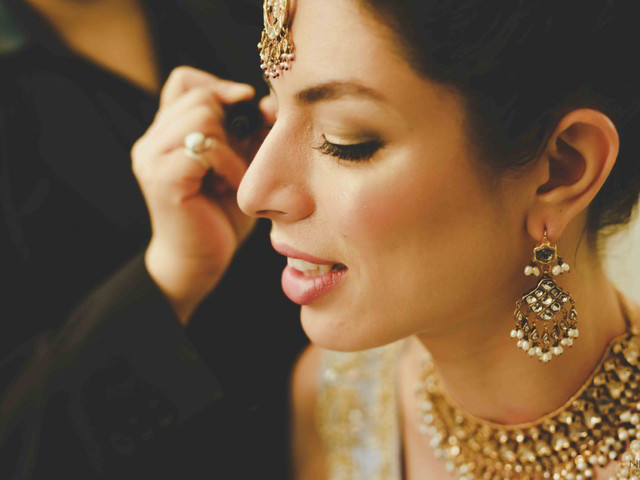 8 Beauty Parlour Makeup Details You Need To Consider To Nail The Best Package For Your Wedding