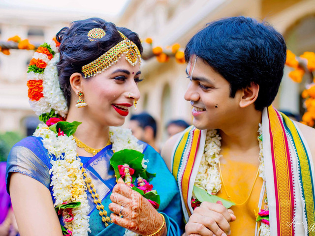 Say Cheese! 6 Indian Wedding Couple Poses That Are Every Photographer's Favourite Shots