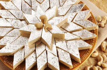 World's Most Mouth-watering Types of Sweets on the Wedding Menu
