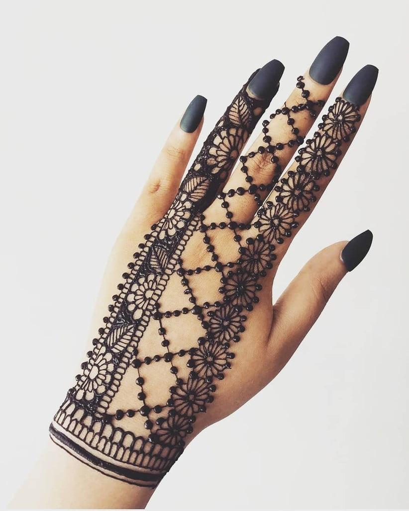 simple easy back hand mehndi designs for beginners