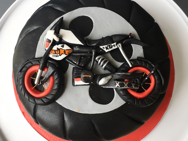 The Bike Cake Is the New Trend in the Wedding Scene Get One for Yourself!