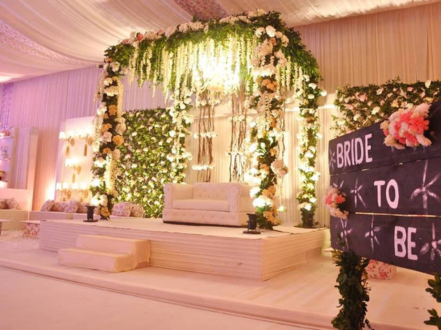 8 Eco-Friendly Stage Decoration Ideas That Will Help You Save The World With Your Nupitals