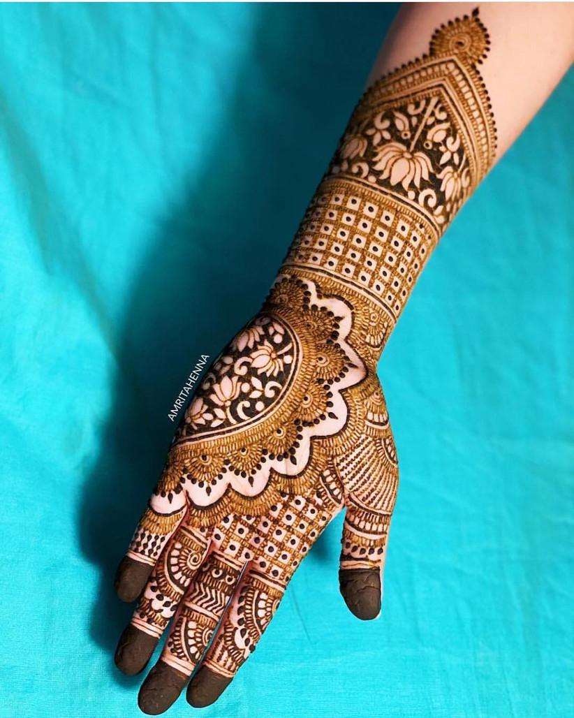 20 Stunning, Yet Simple Arabic Mehndi Designs For Left Hand
