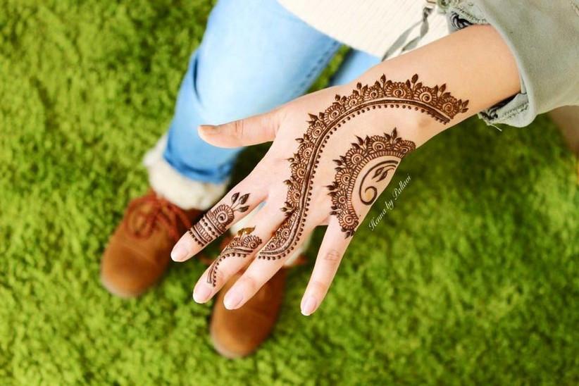 Twirly Mehendi designs for Islamic brides