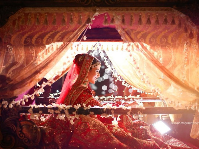 5 Trendsetting Dulhan Doli Styles That Will Turn the Heads as You Waltz into Your Big Day