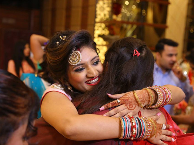 7 Wedding Etiquette Rules That Apply If You're Invited To Any Indian Wedding