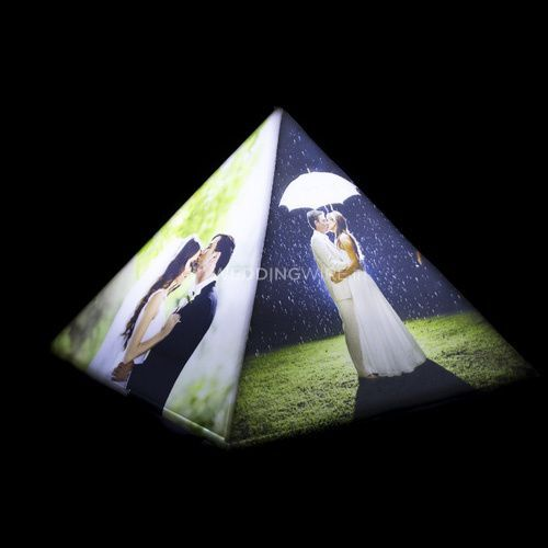 Personalize pyramid lamp