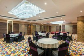 Seasons Banquets, Pune
