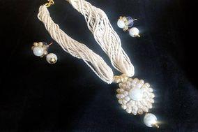 Classical Pride - Antique Jewellery