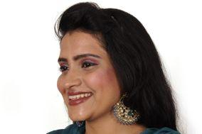 Zoya Makeup Artist, HBR Layout