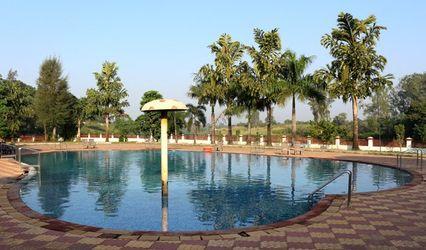 Golden Pond Resort