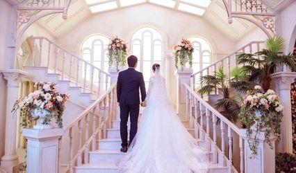 Lorean Wedding Gowns