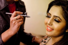 Makeup Artist, Stylist & Trainer Harshha