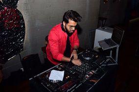 DJ Akey, Pune