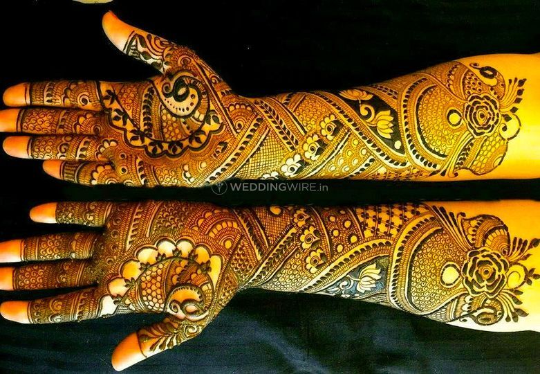 Mehndi creation