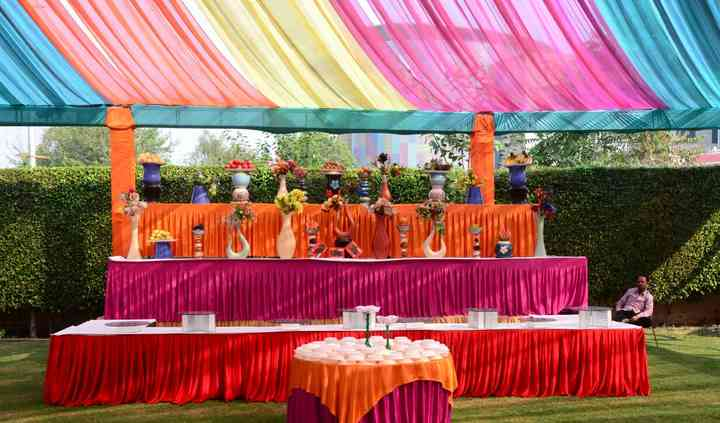 Professional Catering Services by Sanjeev Pal