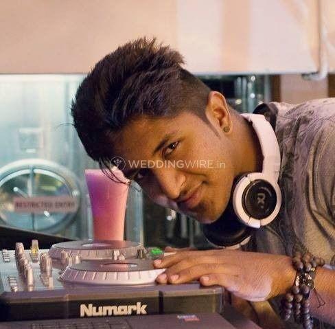 DJ DKS