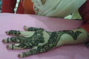 Intricate Mehendi Designs