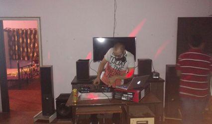 DJ Akshay 1