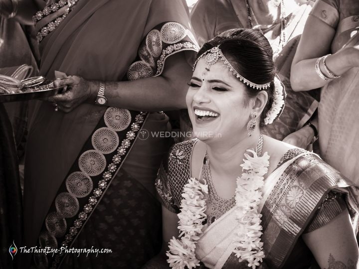 Happy moments bride