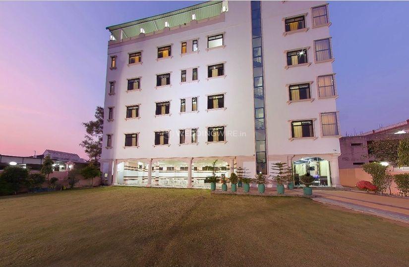 Hotel Raj Garden