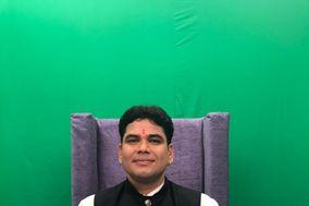 Astrologer Nainesh Joshi