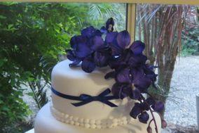 Mavis J Phillip Wedding, Christmas & Anniversary Cake Specialist