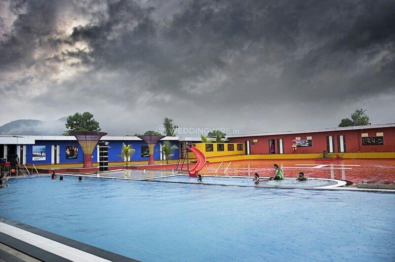 007 Universe Resort- Pool side