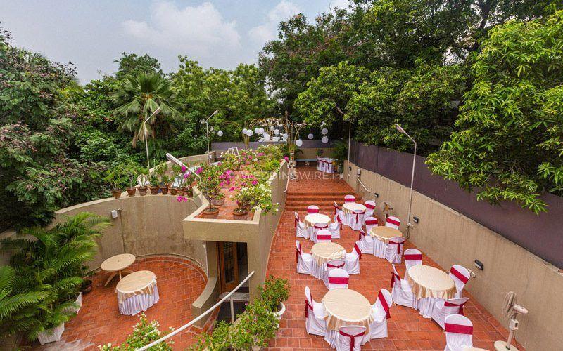 Hanu Reddy Residences, Poes Garden