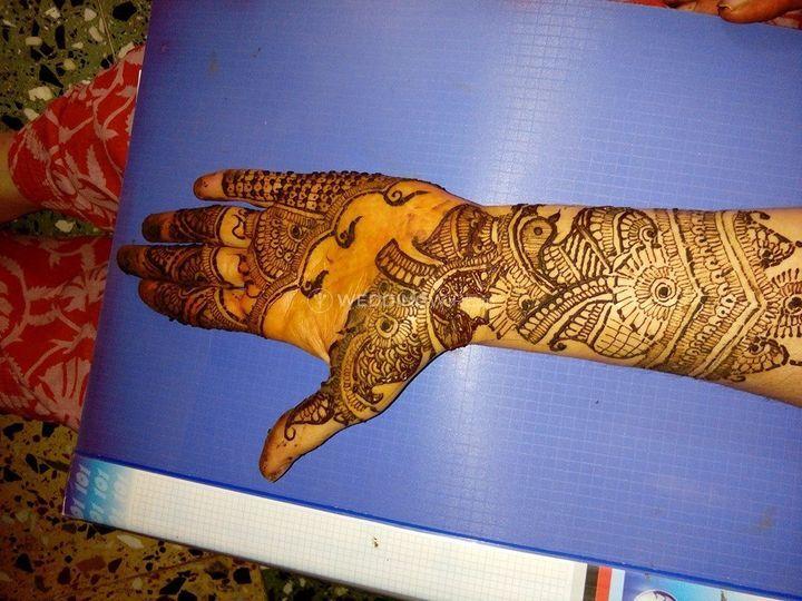 Mansi Mehandi Artist
