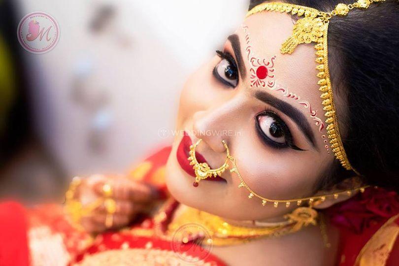 Mayuris The Professional Makeup Artist