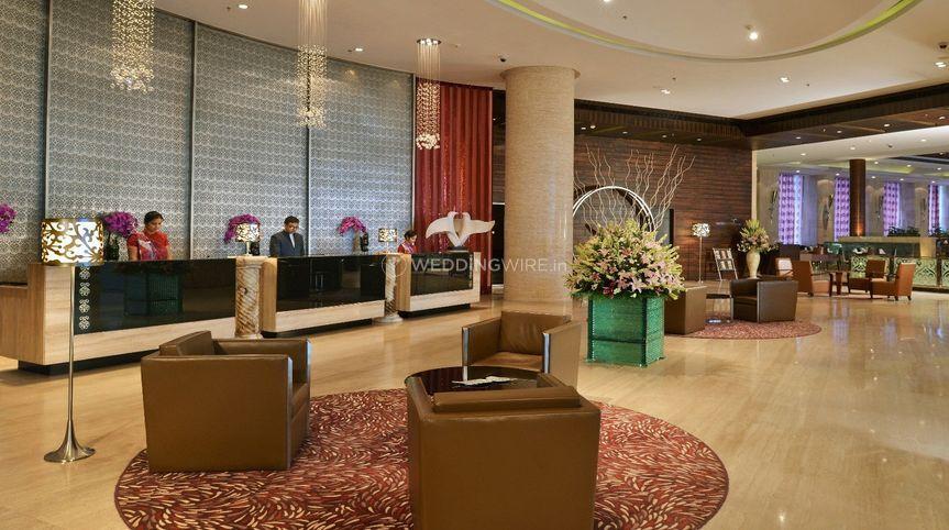 Holiday Inn Chandigarh Lobby