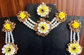 Floral Chest by Priyanka, Mohali