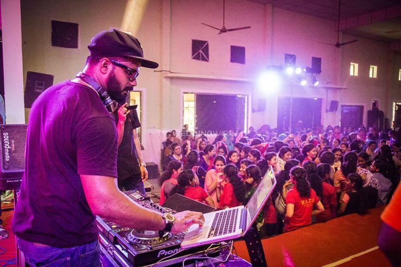 DJ Strawz
