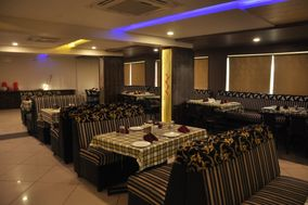 Shashinag Clarks Inn , Bijapur